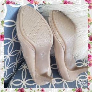 Bandolino Shoes - Bandolino 6.5 nude patent leather pump heel
